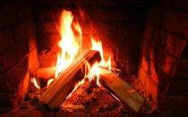 Как растопить печь сырыми дровами, эффективные методики