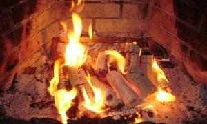 Как топить топливными брикетами печь, как их разжигать