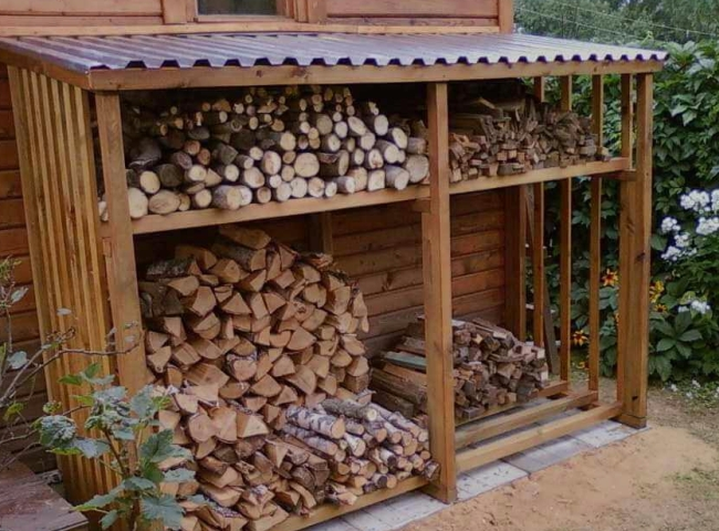 Навес для хранения древесины