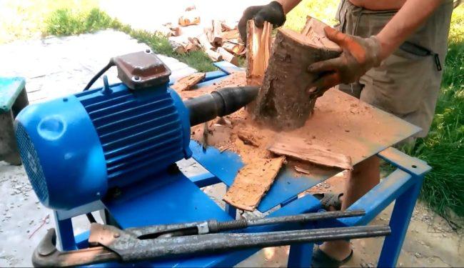 Применение на практике механического дровокола
