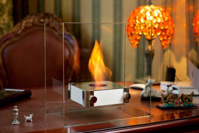 Настольный биокамин с огнем внутри