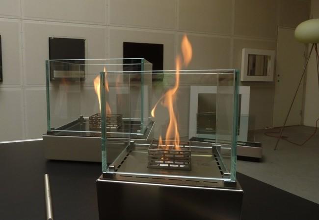 Два настольных биокамина с огнем