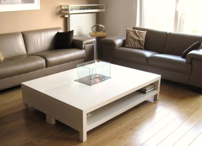 Функциональный стол с небольшим биокамином