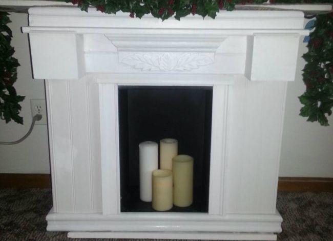 Гипсовый портал для камина белого цвета