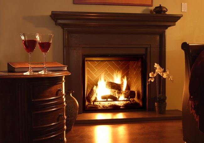 Романтический вечер в уютной гостиной