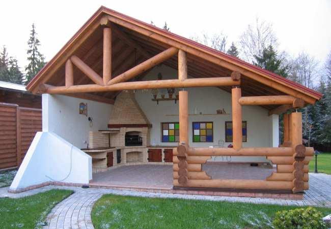 Оригинальное сооружение на даче