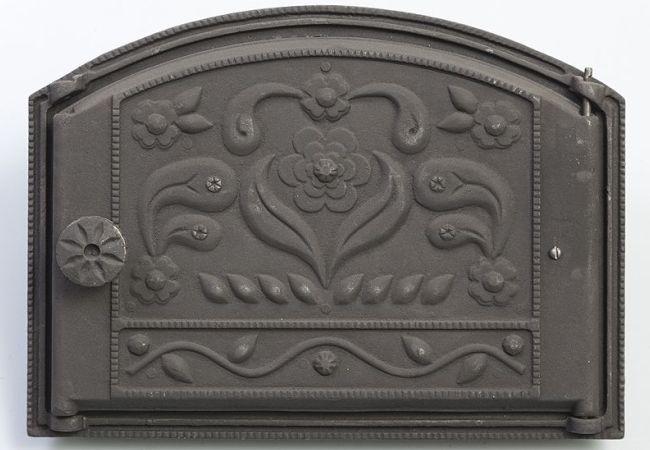 Оригинальный орнамент на металле