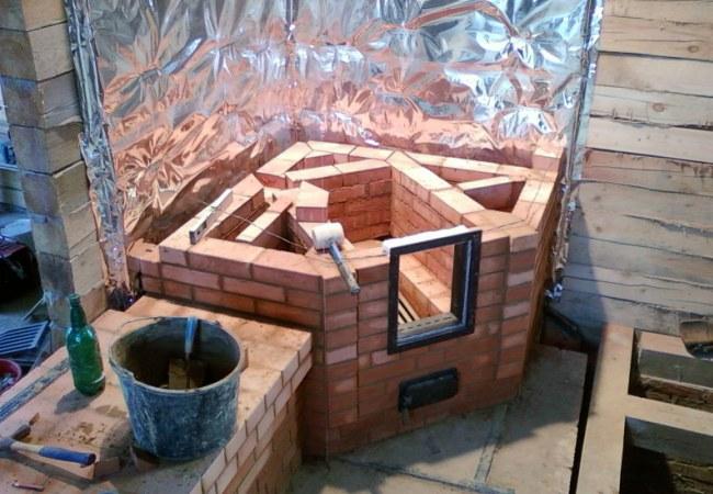 Строительство углового камина из кирпича