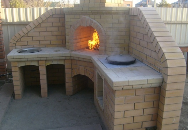 Дачная постройка для приготовления еды